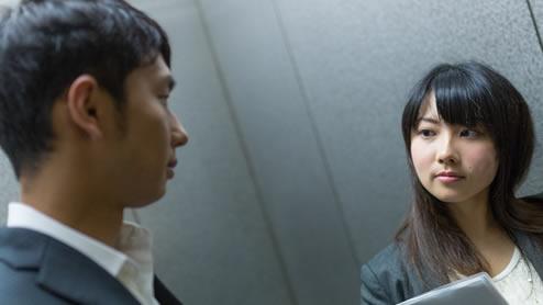 職場の人間関係が辛くて悩んだ時の対処法を社会人10人に聞いてみた